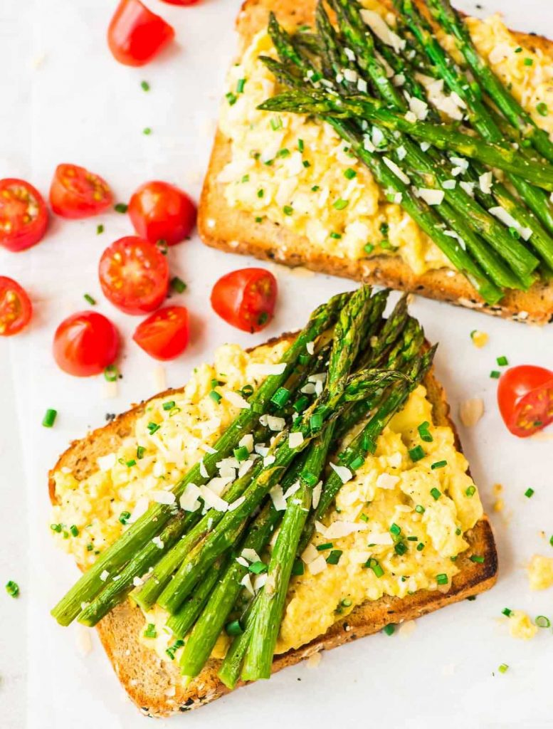 Healthy Scrambled Egg Toast with Roasted Asparagus