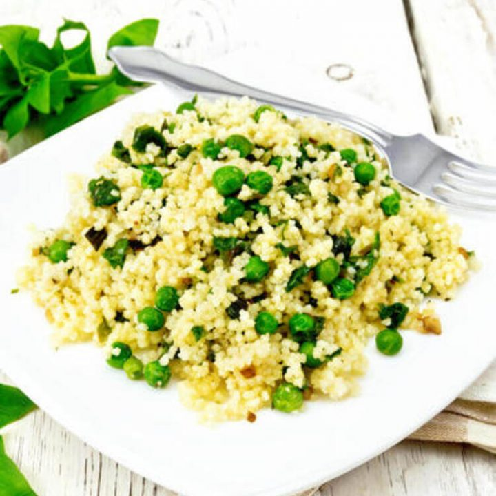 Easy whip Israeli couscous risotto in spinach and parmesan (Gluten-free)